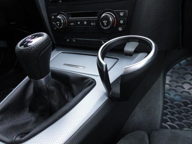 BMW E87 POHÁRTARTÓ