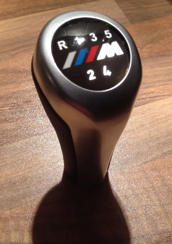 BMW M-ES BŐR/ALU  VÁLTÓGOMB E30 E36 E46 E28 E34 E39 E60 ,X5,X1,X3,E90,E61,E91,E92