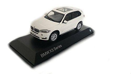 BMW  X5 F15 SZÉRIA  MODELLAUTÓ 1:64